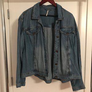 Free People Oversized Soft Denim Jacket Size Large